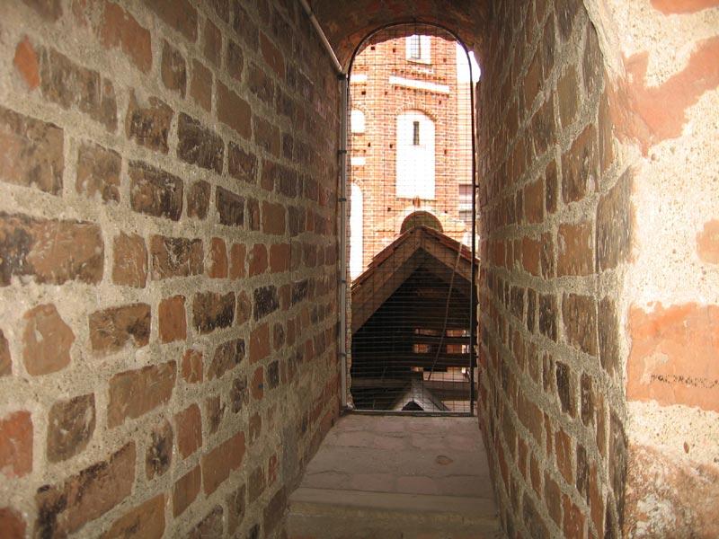 http://www.belarus.nemiga.info/mir/hod-8.jpg