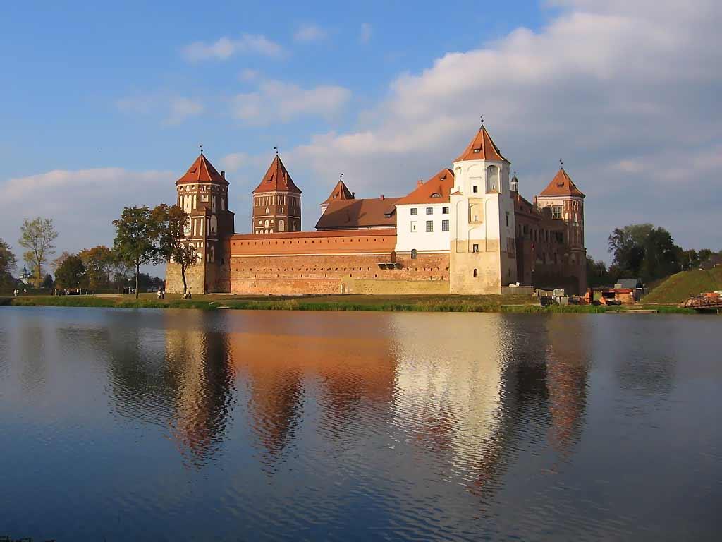замки средневековья схема